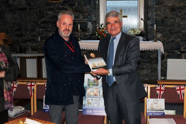 Image of Paul Ford (IOMPO) and Dr. Phil Smith (Head of the Quilliam Group)