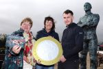 ISLE OF MAN POST OFFICE AND TREASURY PRESENT STEVE HISLOP 120MPH ANNIVERSARY COIN TO THE HISLOP FAMILY
